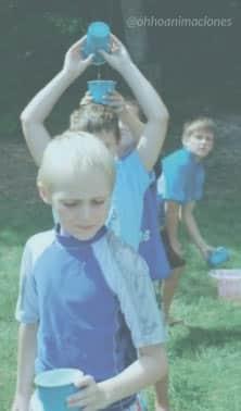 Juegos de agua con vasos